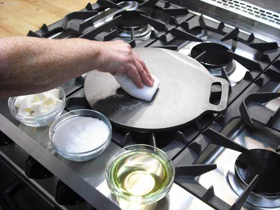 Seasoning A Griddle / Bakestone