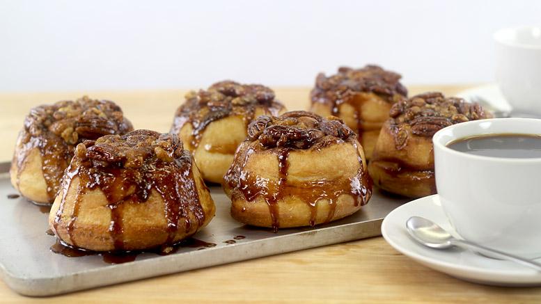 Sticky Cinnamon & Pecan Buns