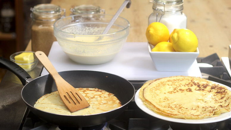 Making Easy Peasy Pancakes